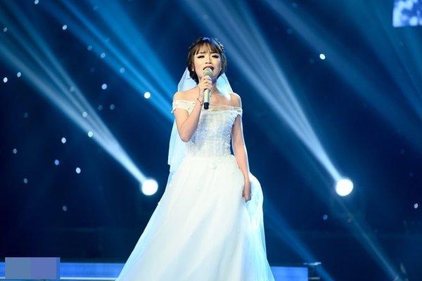 Á quân The Voice hát ca ngợi từng cầu thủ Việt Nam trước thềm King's Cup