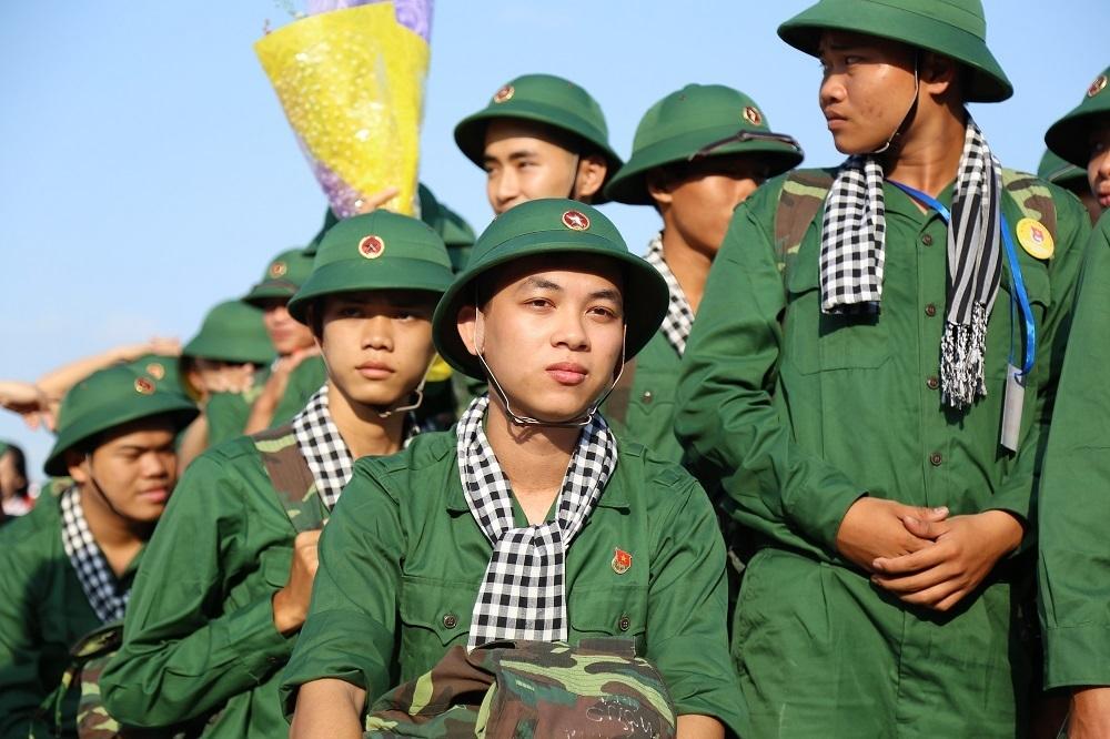 Nhập ngũ,nghĩa vụ quân sự,nữ có được tham gia nghĩa vụ quân sự
