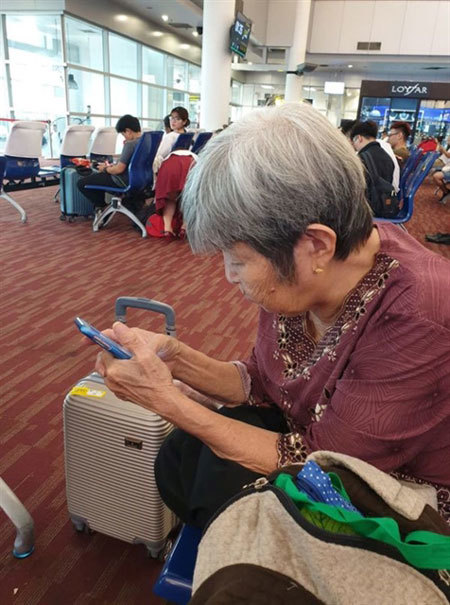 76-year-old woman travels alone to Thailand