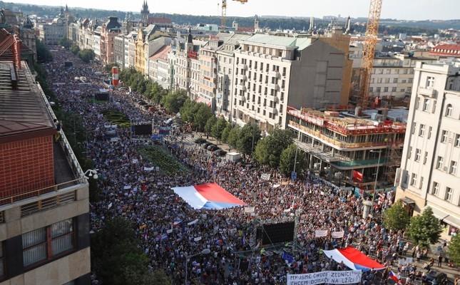 Biểu tình chống ông Babiš và nữ bộ trưởng tư pháp tại nhiều thành phố