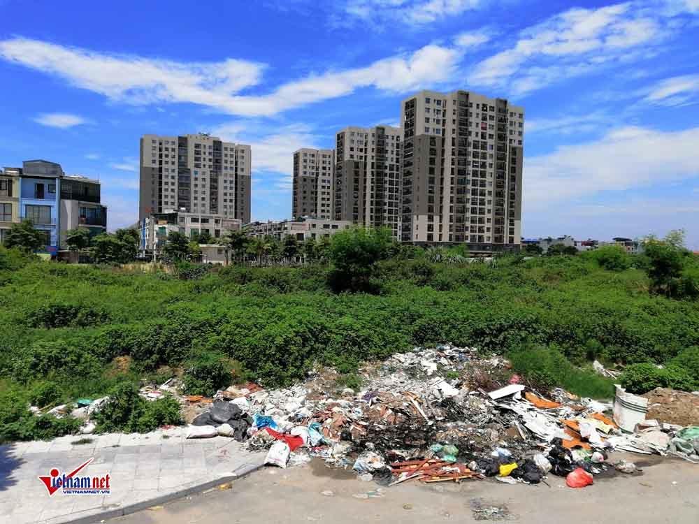 Nhếch nhác rác thải dọc tuyến đường 1.500 tỷ ở Hà Nội