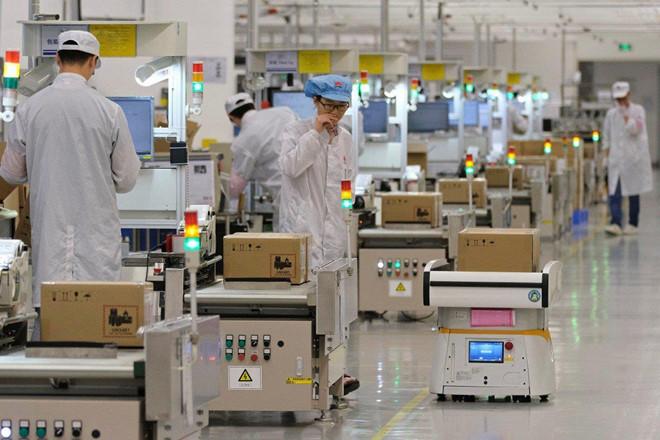 Huawei phủ nhận việc cắt giảm sản xuất smartphone