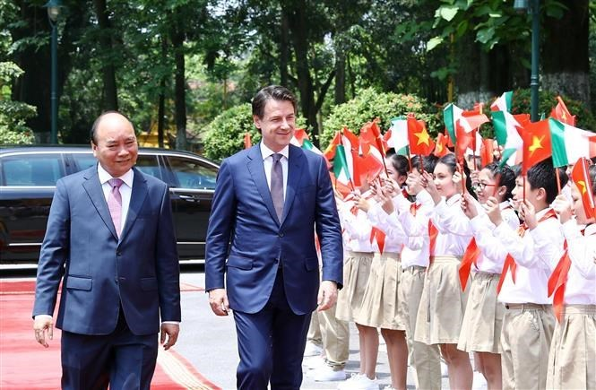 Vietnamese PM affirms importance of partnership with Italy during talks