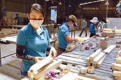 Cảnh báo đồ gỗ Trung Quốc 'đội lốt' hàng Việt