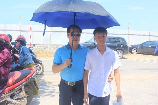 Thí sinh Quảng Bình kết thúc buổi thi lại trong thoải mái