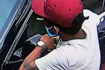 Bắt kẻ bẻ gương xe Lexus ở Quảng Ninh