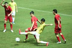 Thắng Thái Lan, Việt Nam lọt top 15 châu Á, mơ về World Cup