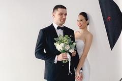 MC sexy nhất showbiz khoe ảnh cưới với chồng Tây đẹp trai, giàu có