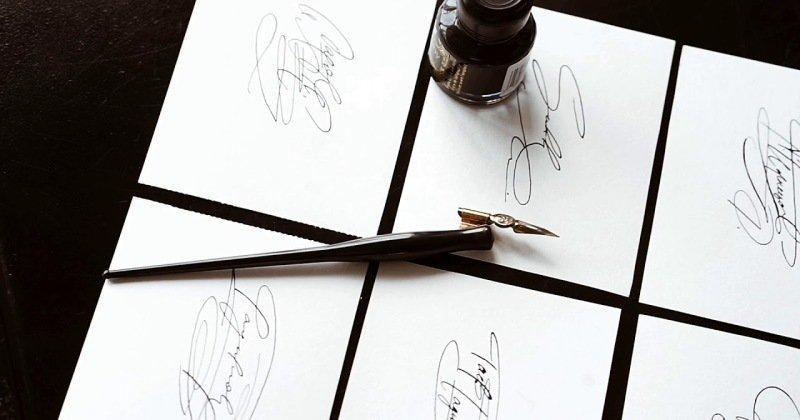 Phát tài nhờ dịch vụ thiết kế chữ ký rồi bán giá 1,8 triệu/chữ