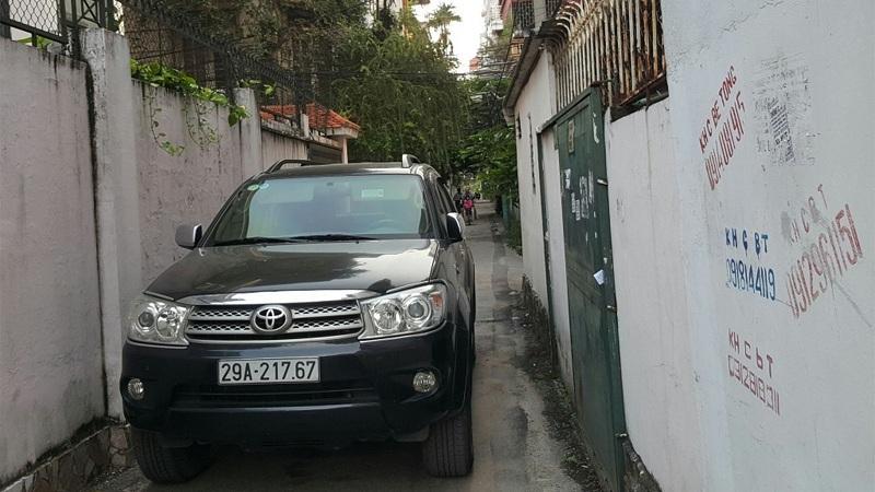 tài xế,đỗ xe,xe sang,đỗ xe vô ý thức