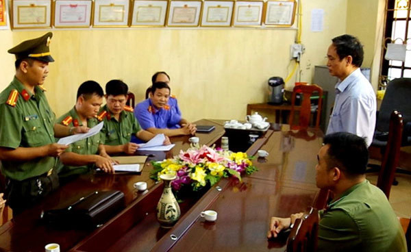Parents in Ha Giang score manipulation may face criminal charges