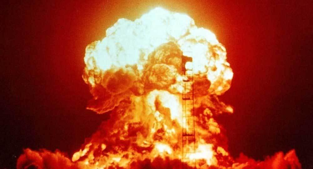 Kết quả hình ảnh cho Nam Phi tự nguyện từ bỏ vũ khí hạt nhân?
