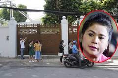 Nhà bà Lê Hoàng Diệp Thảo đóng kín cổng, nhân viên thi hành án phải lập biên bản ngoài đường