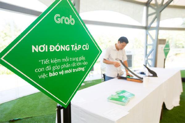 Grab trao 300 học bổng cho con em tài xế ở Khánh Hòa