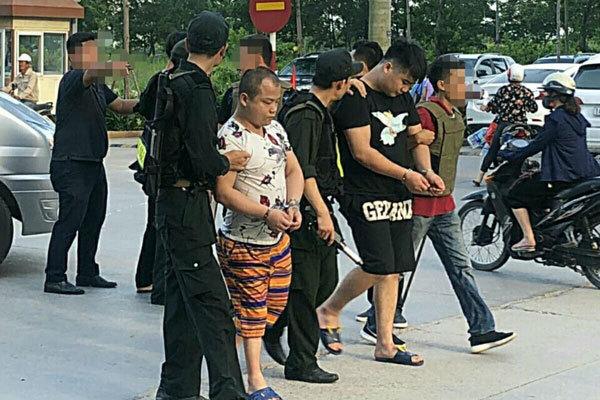 Đánh úp 'sào huyệt' nhóm tội phạm công nghệ cao người nước ngoài ở Quảng Ninh