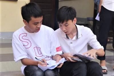 """""""Cậu bé Sơn La đạp xe 180km thăm em"""" vào đề thi Toán vào 10 Nghệ An"""