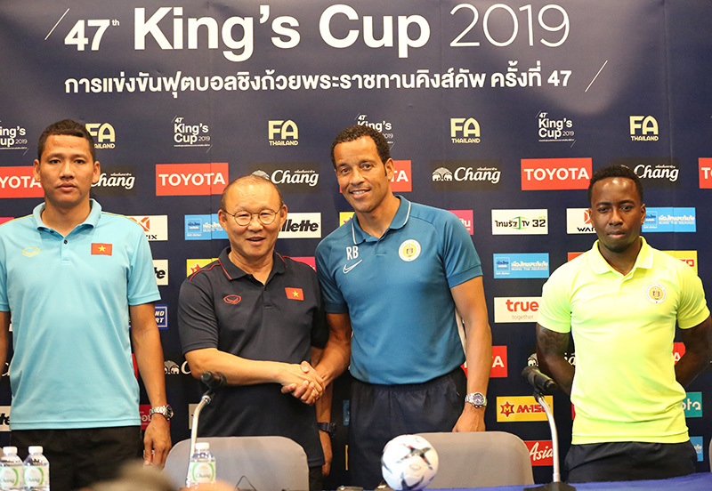 tuyển Việt Nam,HLV Park Hang Seo,King's Cup