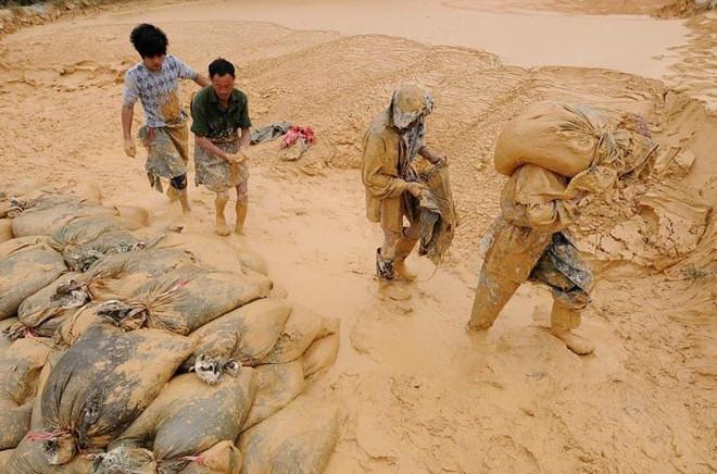 Giá đất hiếm Trung Quốc tăng kỷ lục vì chiến tranh thương mại