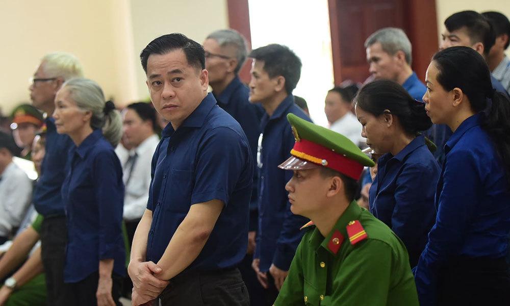 Tìm đường đào tẩu khỏi Việt Nam, Vũ 'nhôm' bị lừa hàng trăm ngàn USD