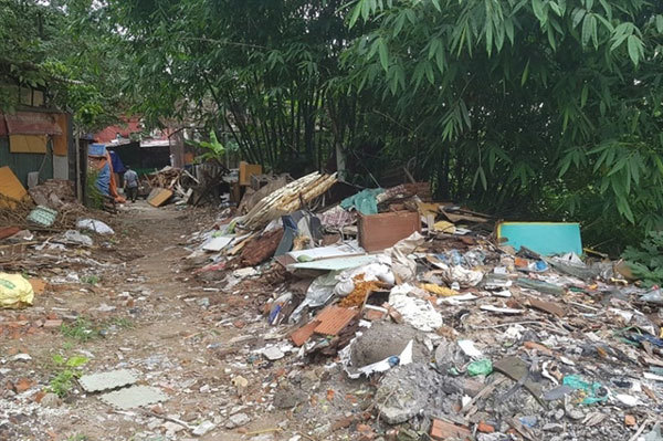 Illegal dumping resumes along Red River