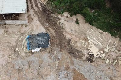 Truy tìm nguồn gốc chất thải bị san lấp trái phép ở Đồng Nai