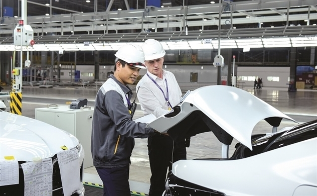 Two paths for Vietnam's automobile industry