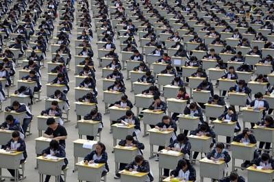 Triệt phá đường dây gian lận trước kỳ thi đại học khốc liệt nhất thế giới
