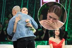 Hương Giang khóc khi biết lý do chàng trai đến chương trình gặp mình