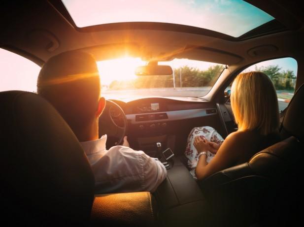 chống nắng,tia UV,nắng xuyên qua ô tô