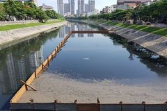 Hanoi pilots cleaning its stinky river with Redoxy3C