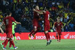 Video Đức Huy gỡ hòa 1-1 cho Việt Nam trước Curacao