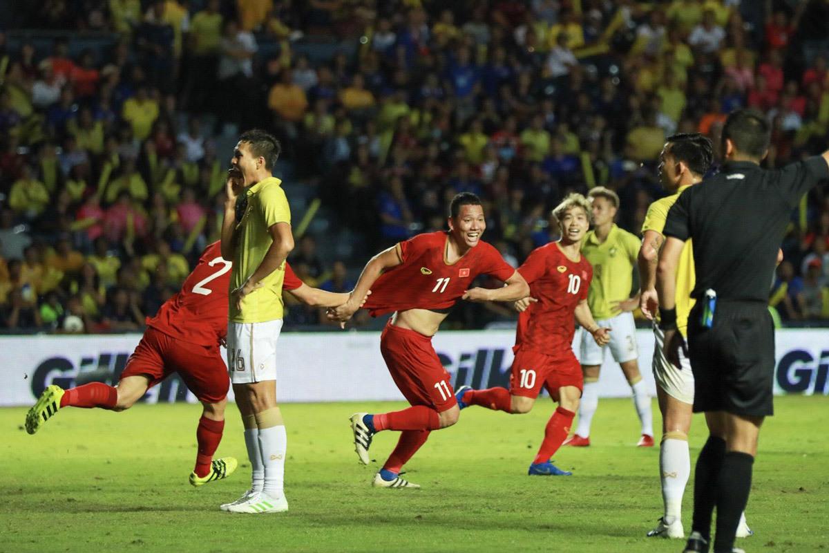 Tuyển Thái Lan,tuyển Việt Nam,HLV Park Hang Seo,King's Cup