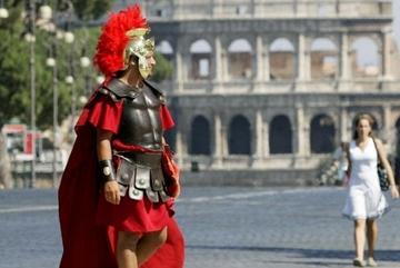 Thủ đô Italia cấm hóa trang thành chiến binh La Mã