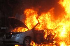 Ô tô, xe máy đổ nhầm xăng giả, hỏng động cơ, phát nổ