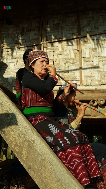 Xa Pho woman knows passion for the flute