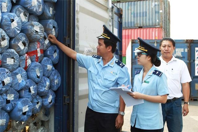 HCM City shames customs tax evaders