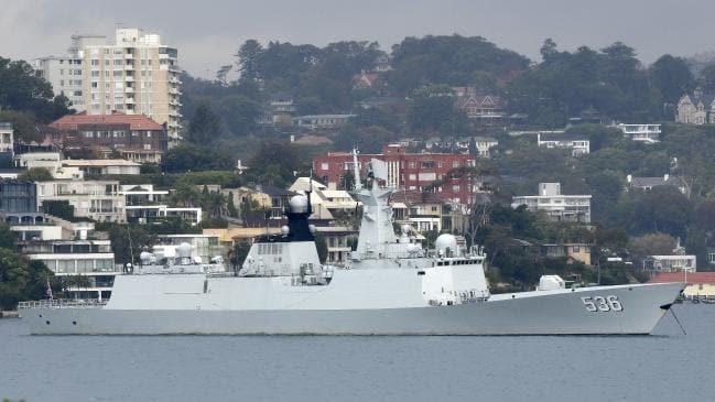 Cảnh tượng khó tin khi tàu chiến TQ rời cảng Sydney