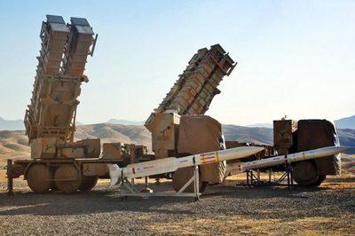 Mỹ siết chặt vòng vây, Iran khoe rào chắn tên lửa tự chế
