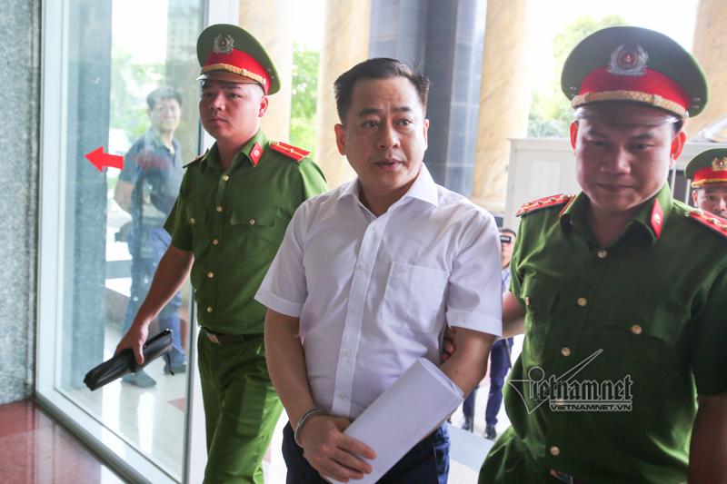 Hình ảnh xét xử phúc thẩm Phan Văn Anh Vũ và 4 cựu cán bộ công an