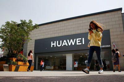 Nhiều 'ông lớn' công nghệ cấm nhân viên liên lạc với Huawei