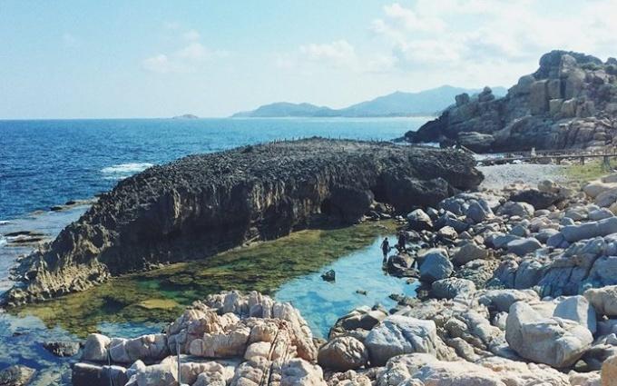 Exploring Binh Hung Island