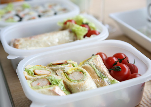 6 thực phẩm không nên đặt trong lò vi sóng