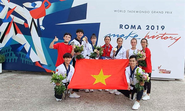 Taekwondo athletes bring medals home from Italy