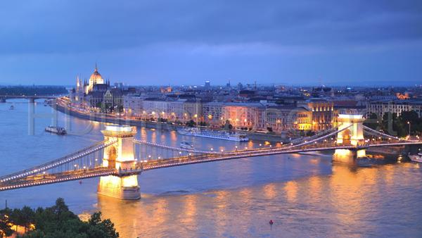 Budapest, phố cổ ngàn năm bên dòng Danube