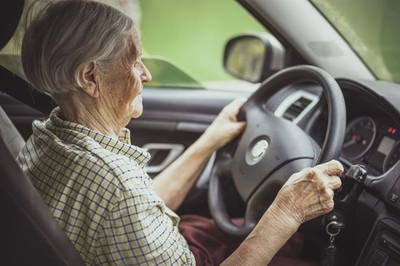 Người cao tuổi ở Nhật sẽ có bằng lái riêng