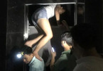 Giải cứu nhiều người mắc kẹt trong thang máy ở Hà Nội