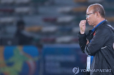Thầy Park không màng hợp đồng, chỉ lo quân sứt mẻ