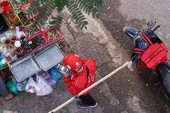 Dịch vụ giao đồ ăn kiếm tiền thế nào?