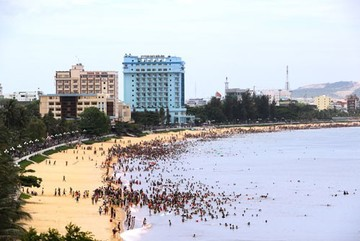 Doctors warn about disease outbreaks as heat wave continues in Vietnam