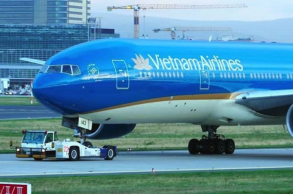 Vietnam Airlines revises down revenue goals for 2019